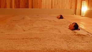 天然温泉 三峰 砂塩風呂