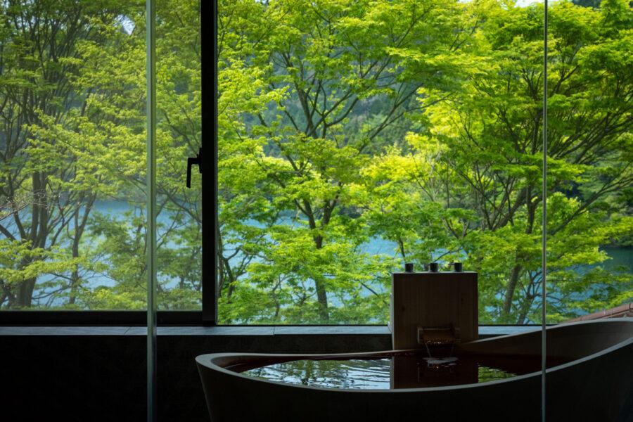 長崎県「雲仙温泉 東園」自家源泉半露天風呂付客室をリニューアル