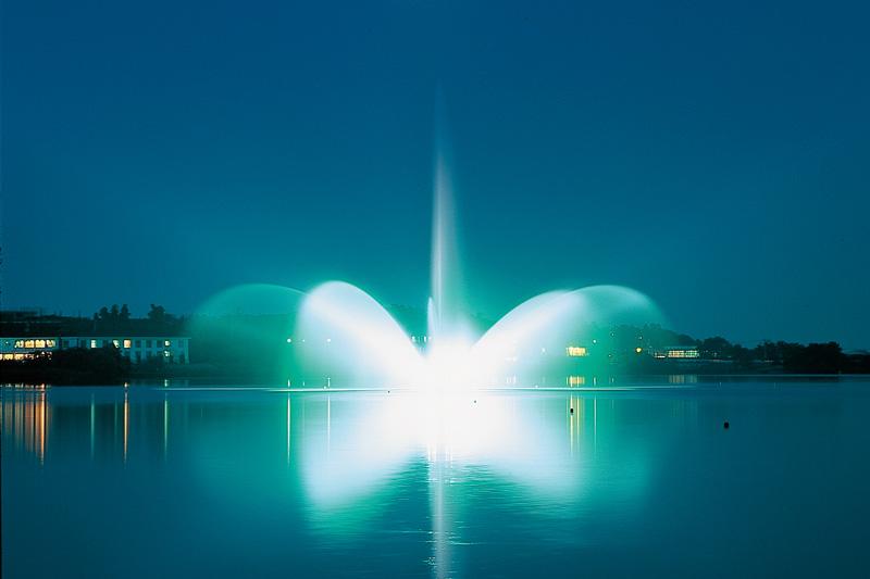 柴山潟 噴水