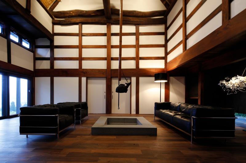 「里山十帖 THE HOUSE IZUMI」リビングルーム