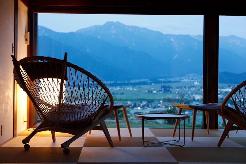 「里山十帖 THE HOUSE IZUMI」眺望が良い和室